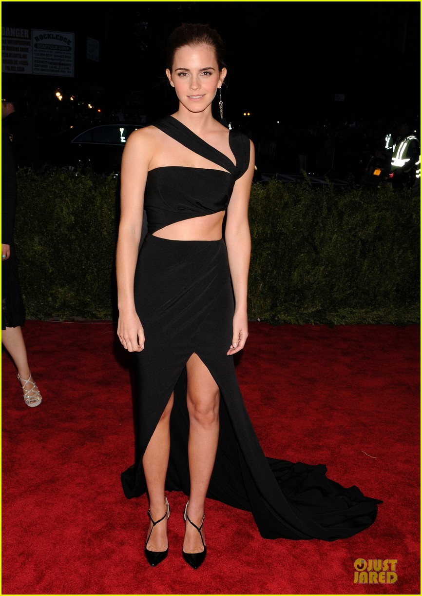 emma watson met ball 2013 red carpet 062865291