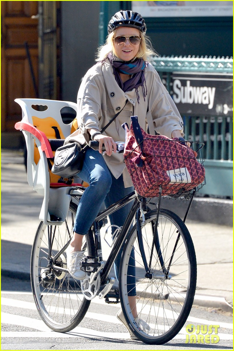 naomi watts while were young star 012863013