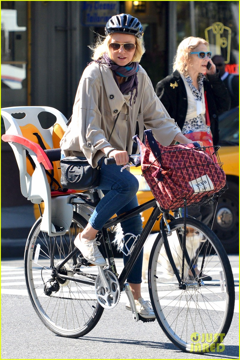naomi watts while were young star 082863020