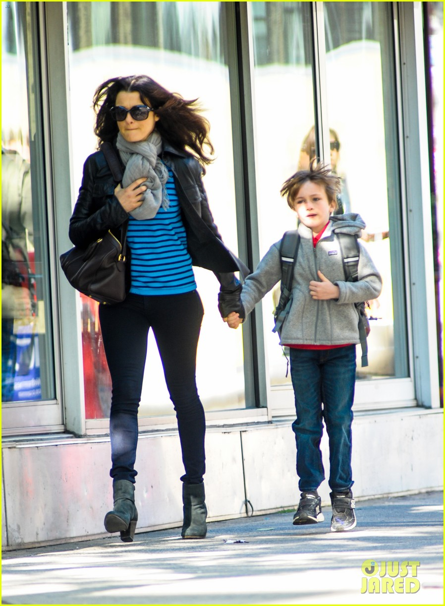 rachel weisz post mothers day outing with henry 042869589