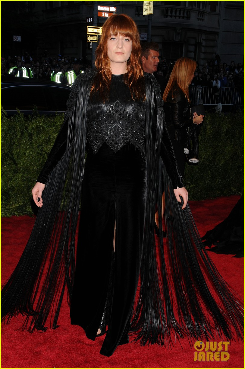 florence welch met ball 2013 red carpet 05