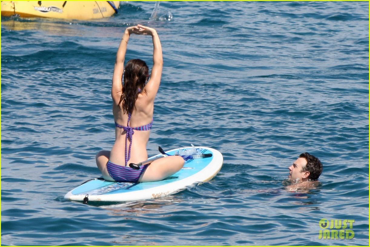 olivia wilde bikini babe in hawaii with shirtless jason sudeikis 062878700