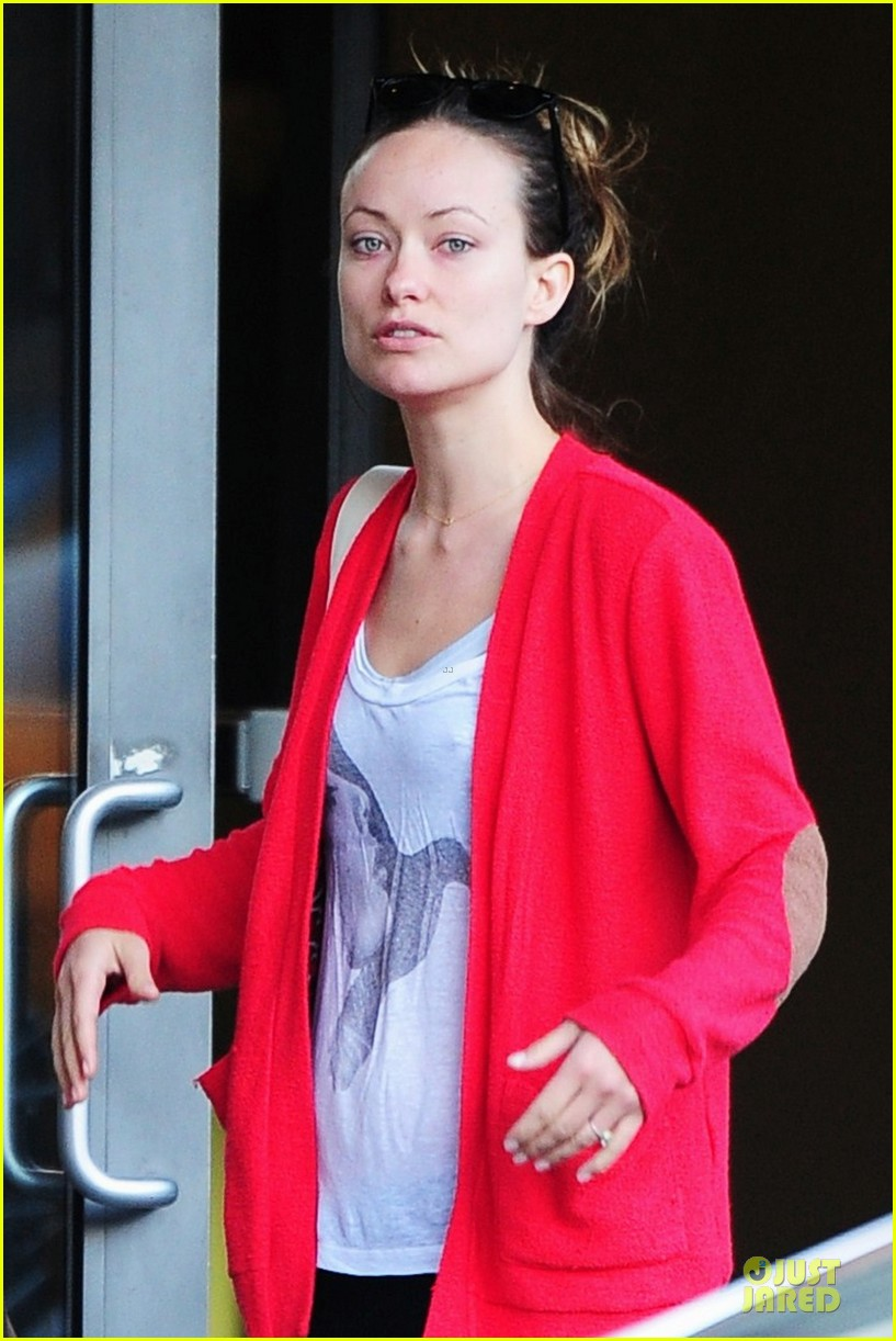 olivia wilde come hang out with emma stone 042863279