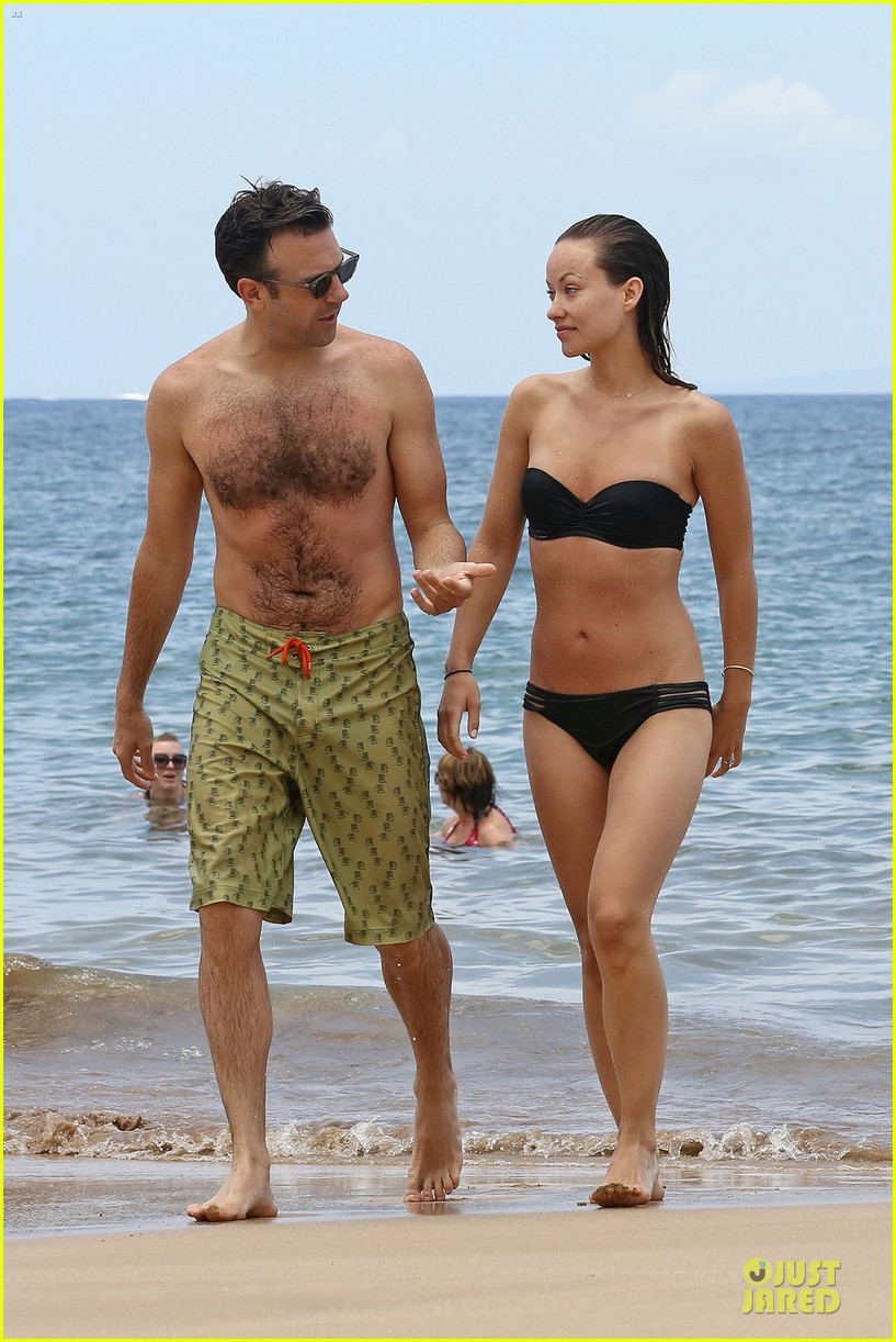 olivia wilde shirtless jason sudeikis kissing in hawaii 012879786