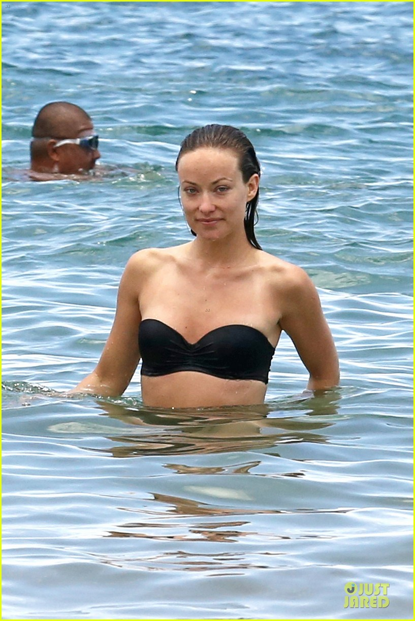olivia wilde shirtless jason sudeikis kissing in hawaii 122879797