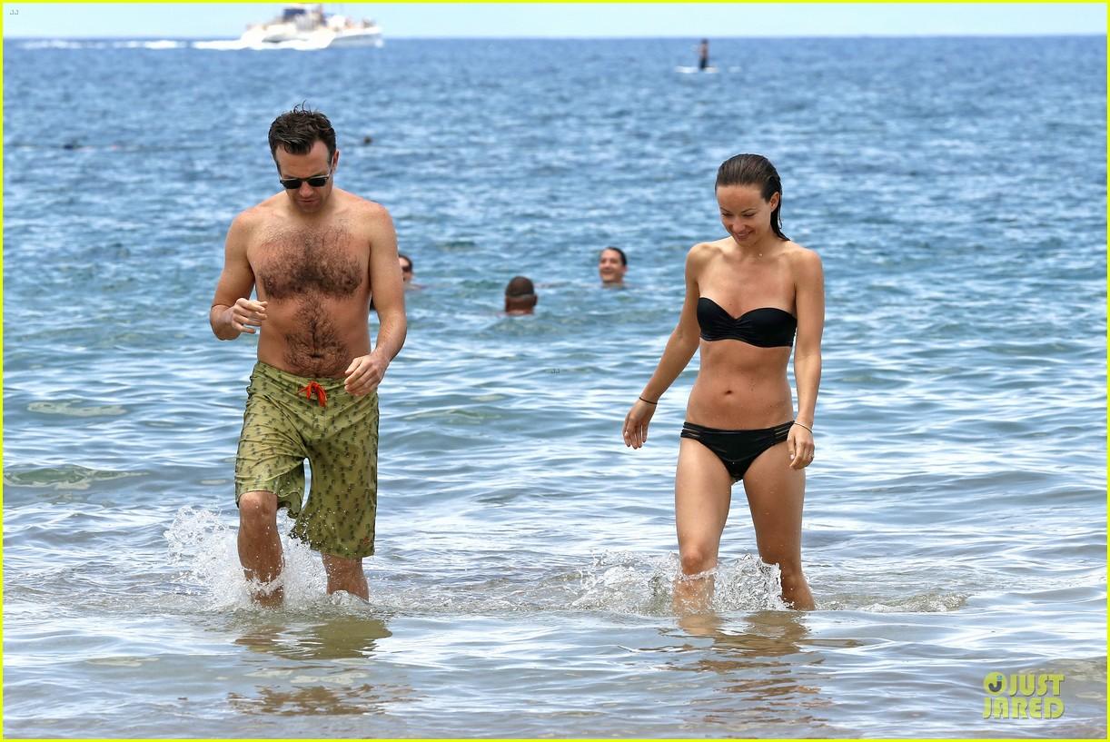olivia wilde shirtless jason sudeikis kissing in hawaii 132879798