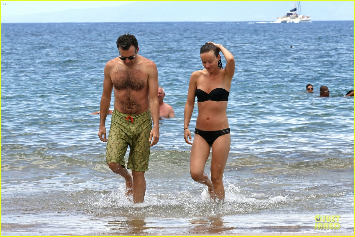 olivia wilde shirtless jason sudeikis kissing in hawaii 202879805