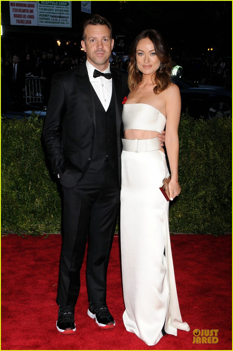 olivia wilde jason sudeikis met ball 2013 red carpet 032865251