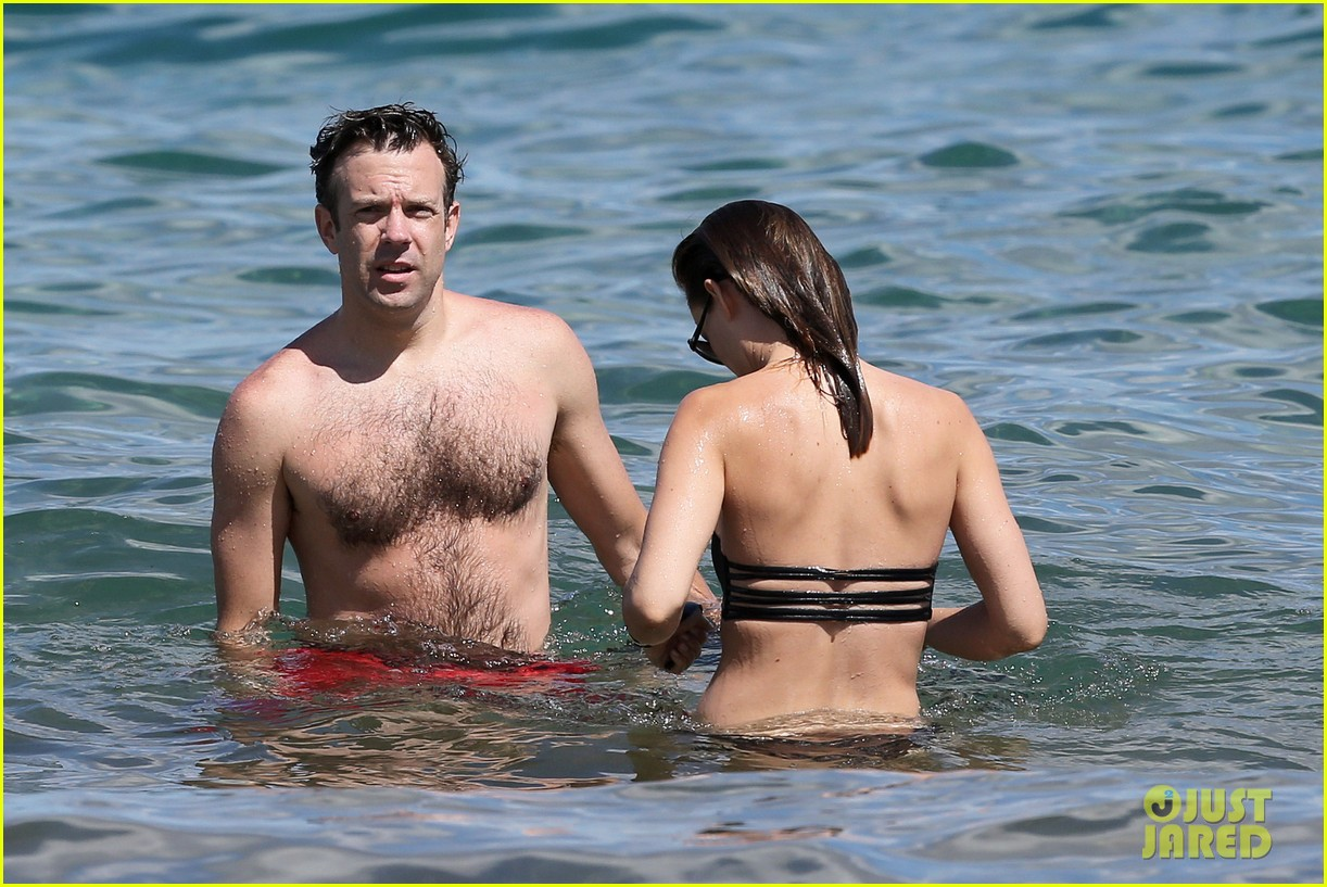 olivia wilde bikini vacation with shirtless jason sudeikis continues 132879343