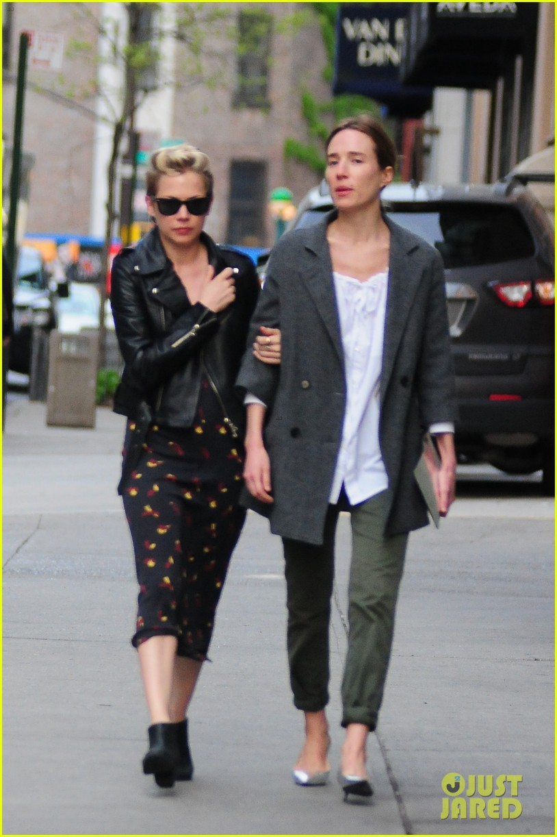 michelle williams new york stroll after met ball 052867182