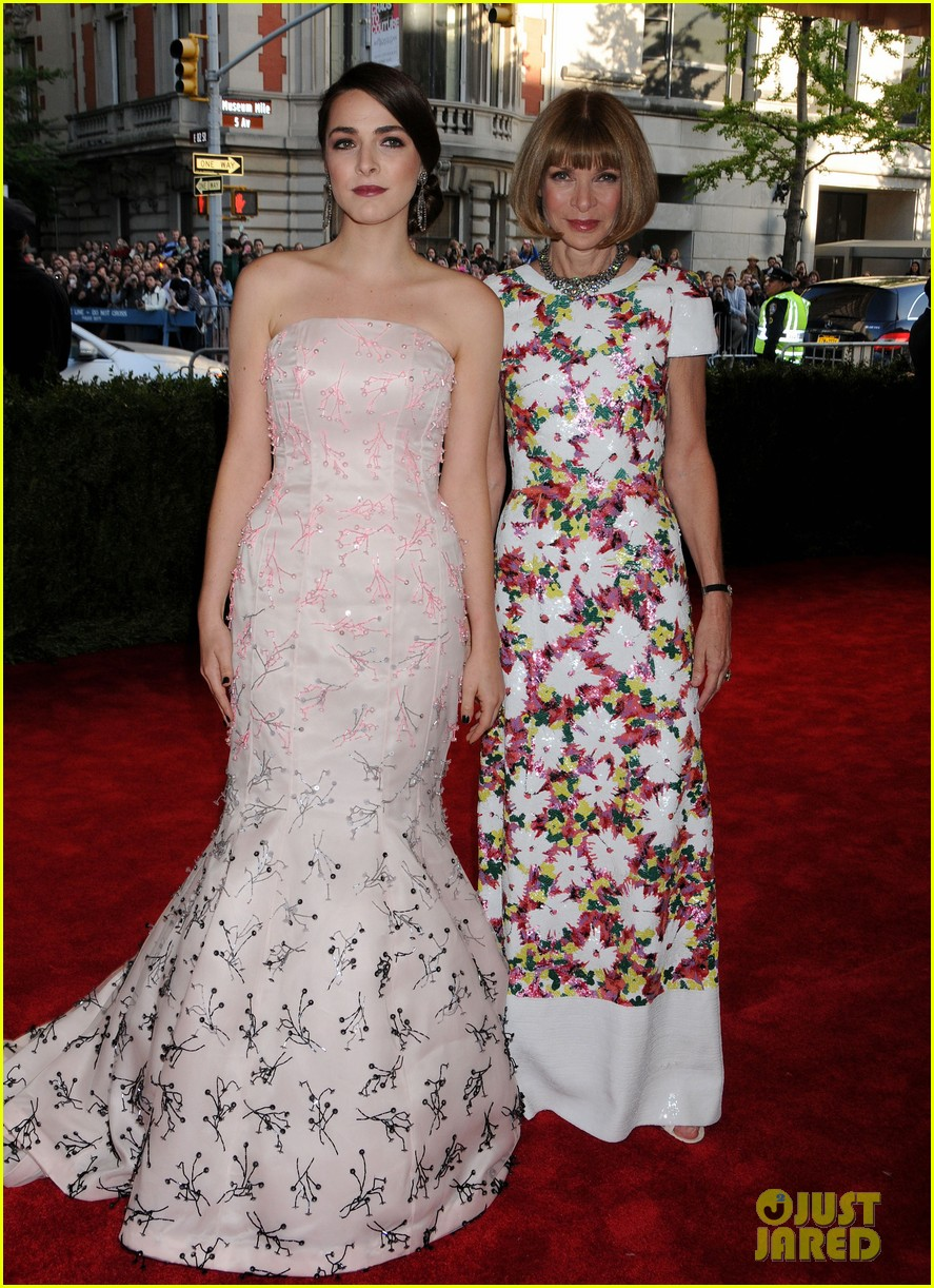 anna wintour met ball 2013 with bee shaffer 042865056
