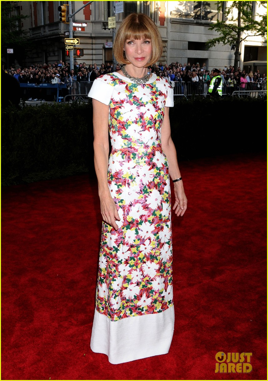 anna wintour met ball 2013 with bee shaffer 052865057