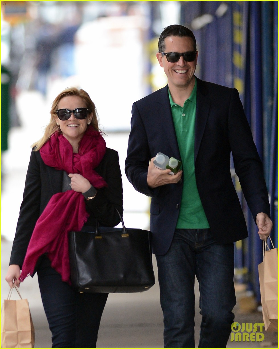 reese witherspoon jim toth breakfast smiles 022871126