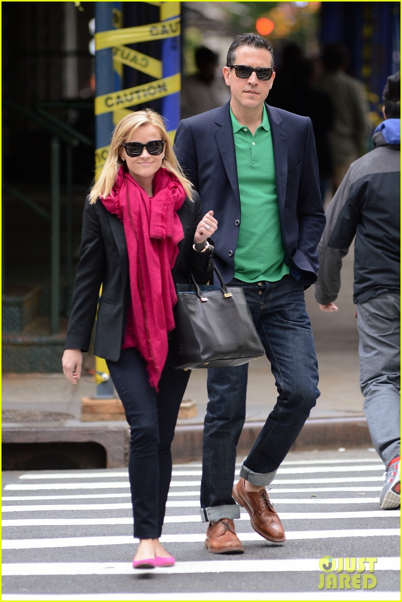 reese witherspoon jim toth breakfast smiles 032871127