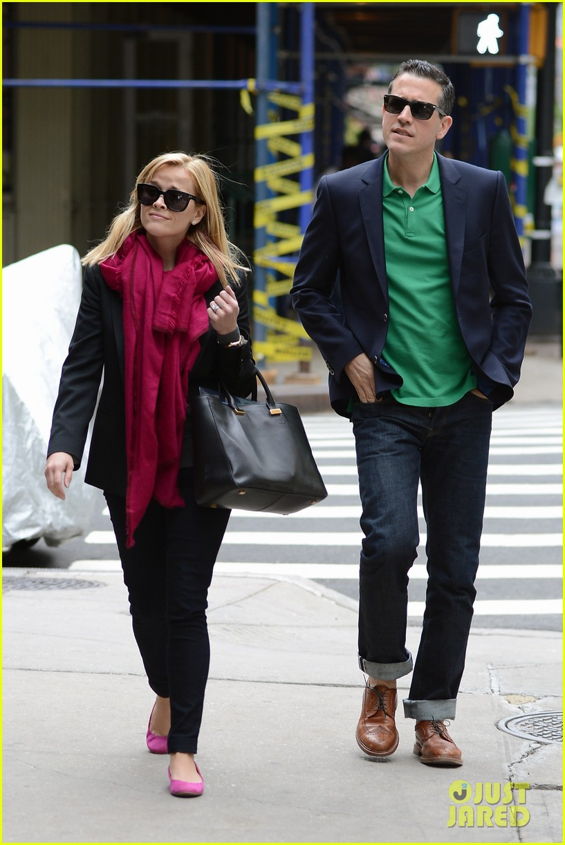 reese witherspoon jim toth breakfast smiles 052871129