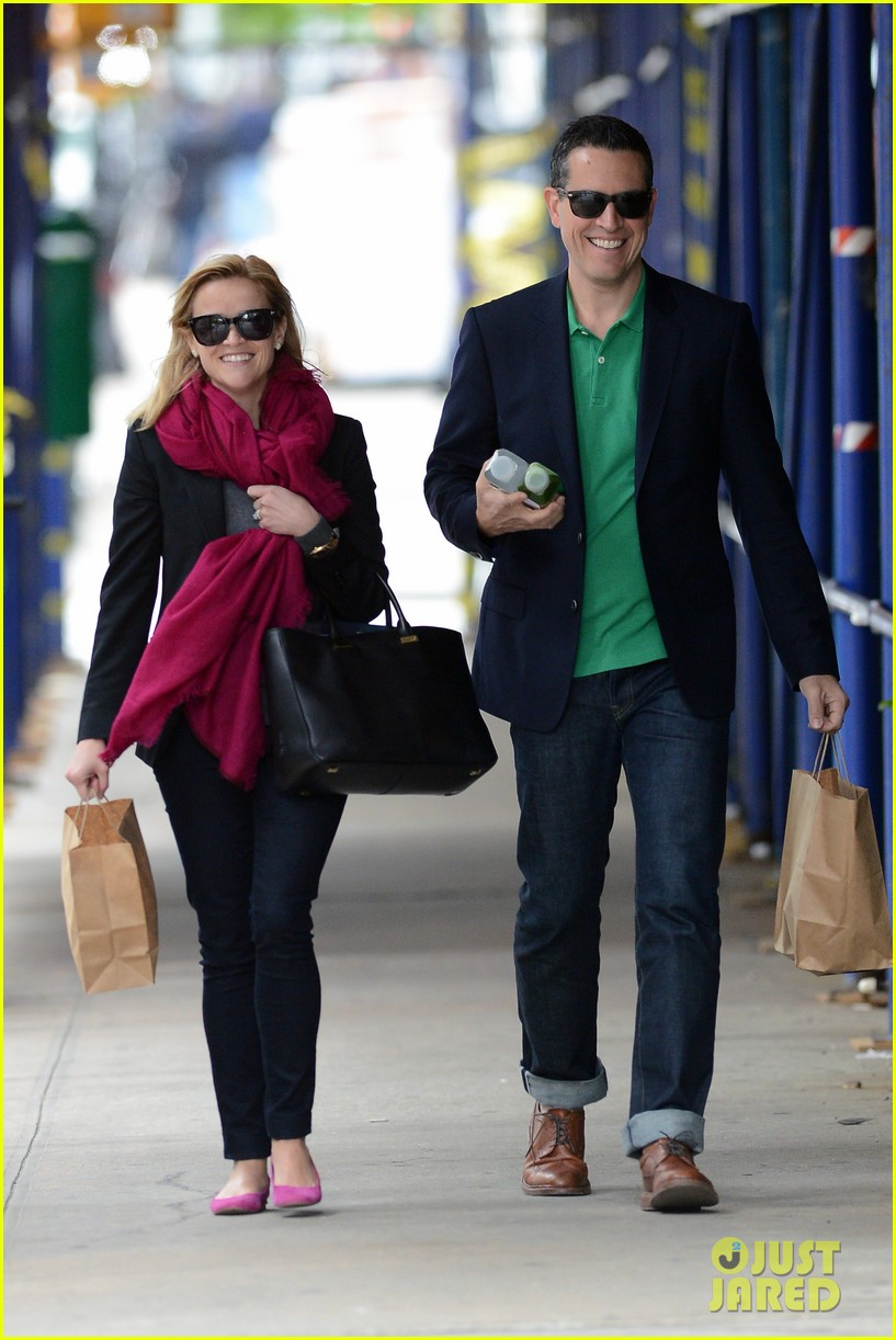 reese witherspoon jim toth breakfast smiles 112871135