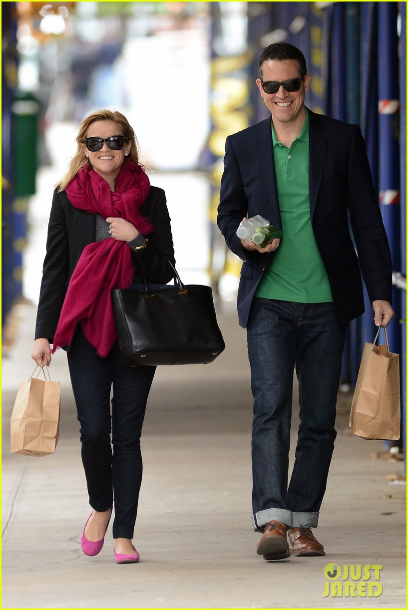 reese witherspoon jim toth breakfast smiles 132871137