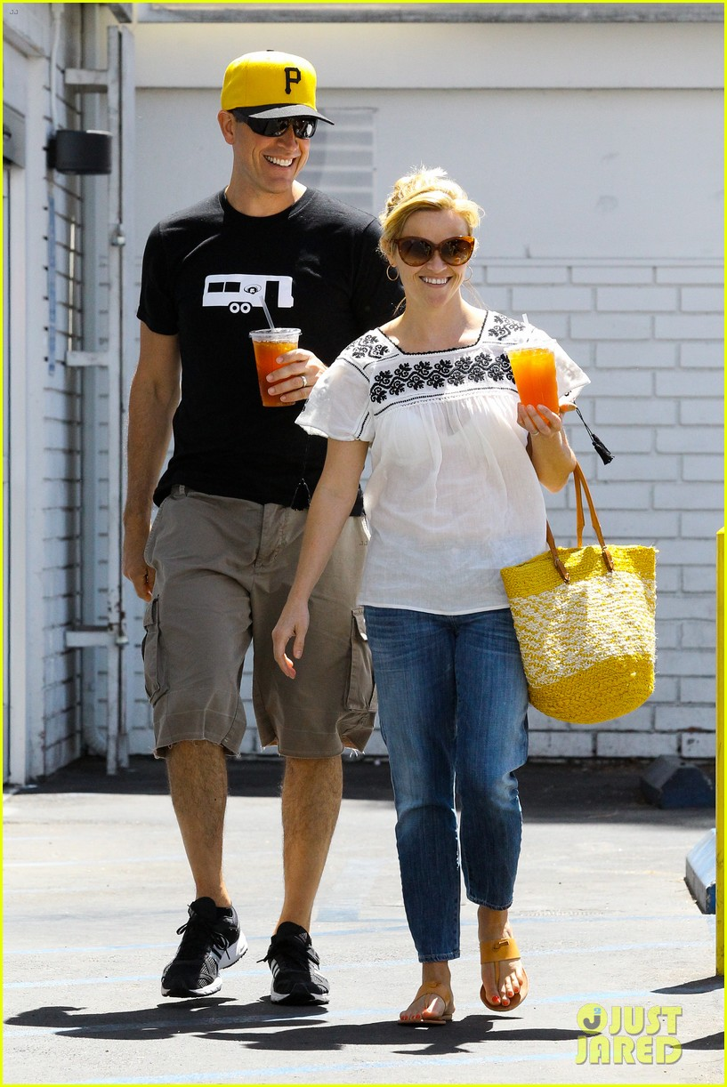 reese witherspoon veggie grill lunch with jim toth 082880240