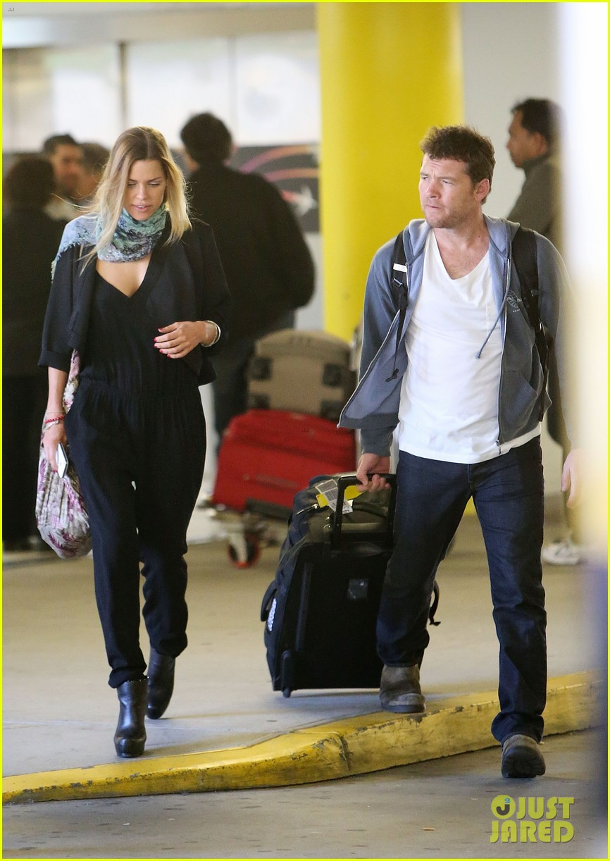 sam worthington spotted with new girlfriend sophie monk 02