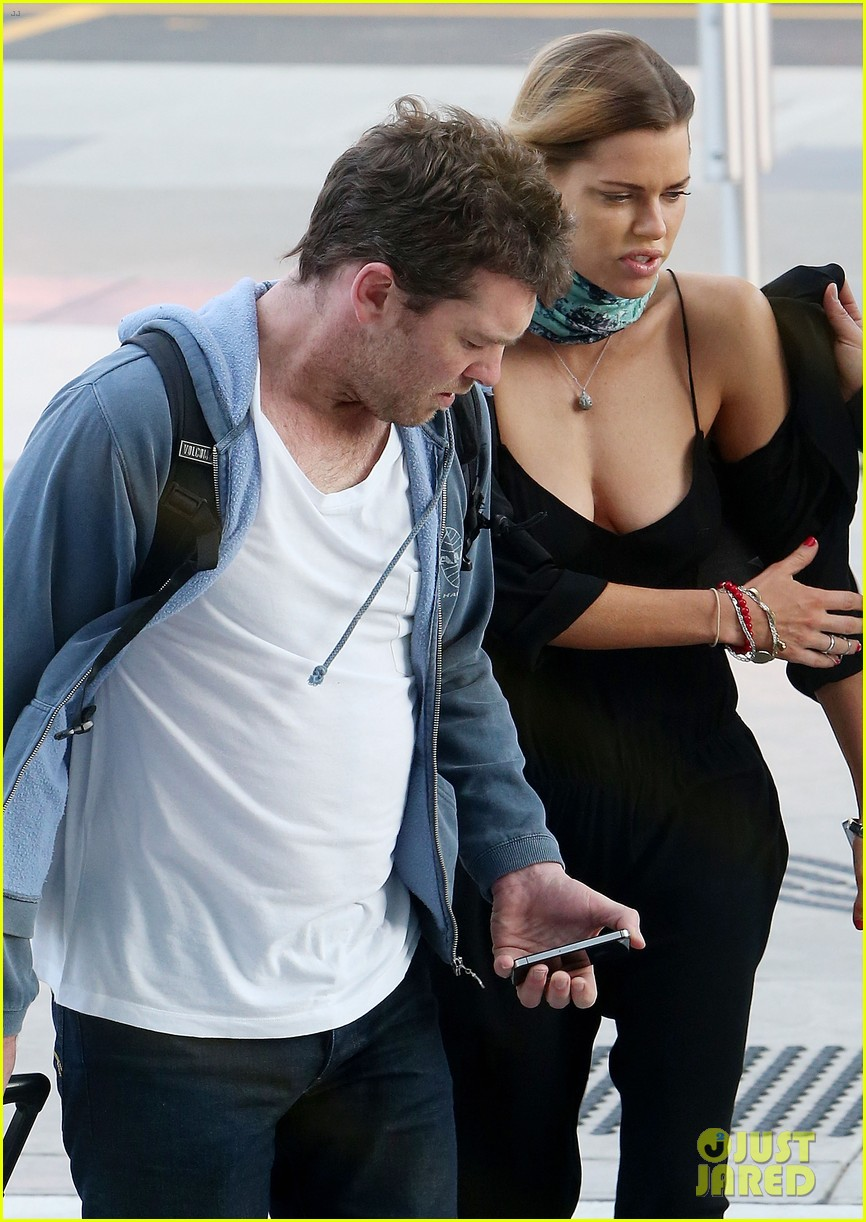 sam worthington spotted with new girlfriend sophie monk 042868094