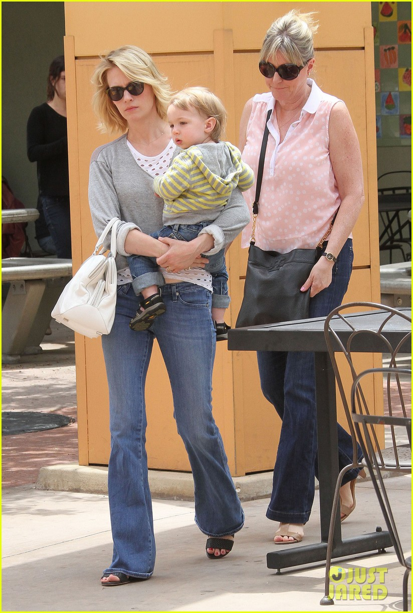 baby xander grabs mom january jones sunglasses 052867367