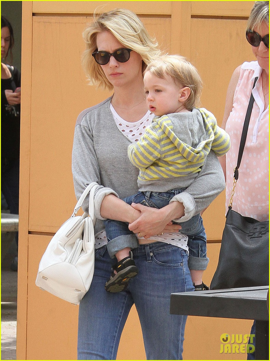 baby xander grabs mom january jones sunglasses 08
