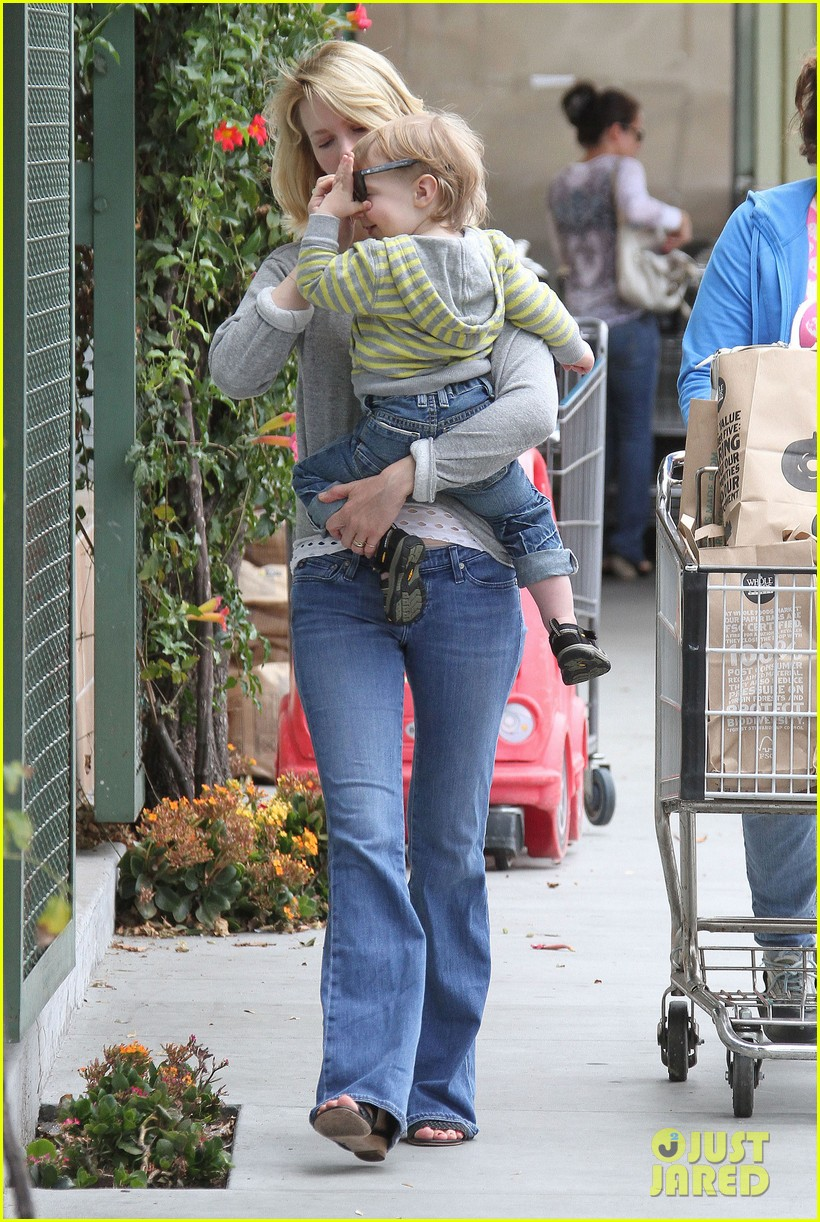 baby xander grabs mom january jones sunglasses 152867377