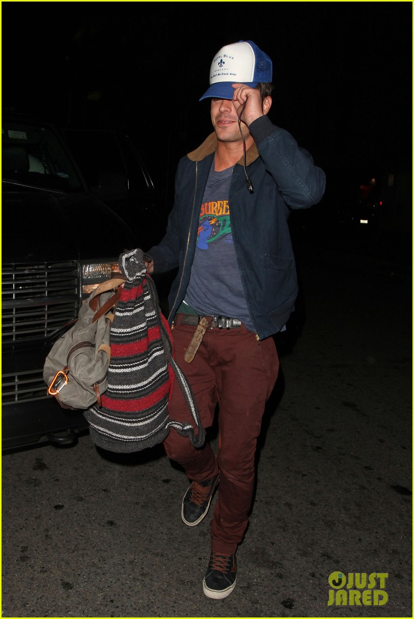 zac efron arrives at townies wrap party 09