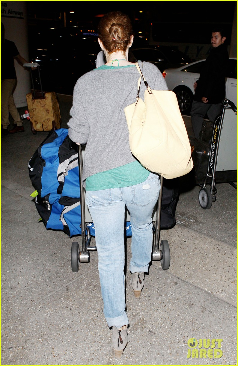 amy adams lands at lax after man of steel breaks records 032892910