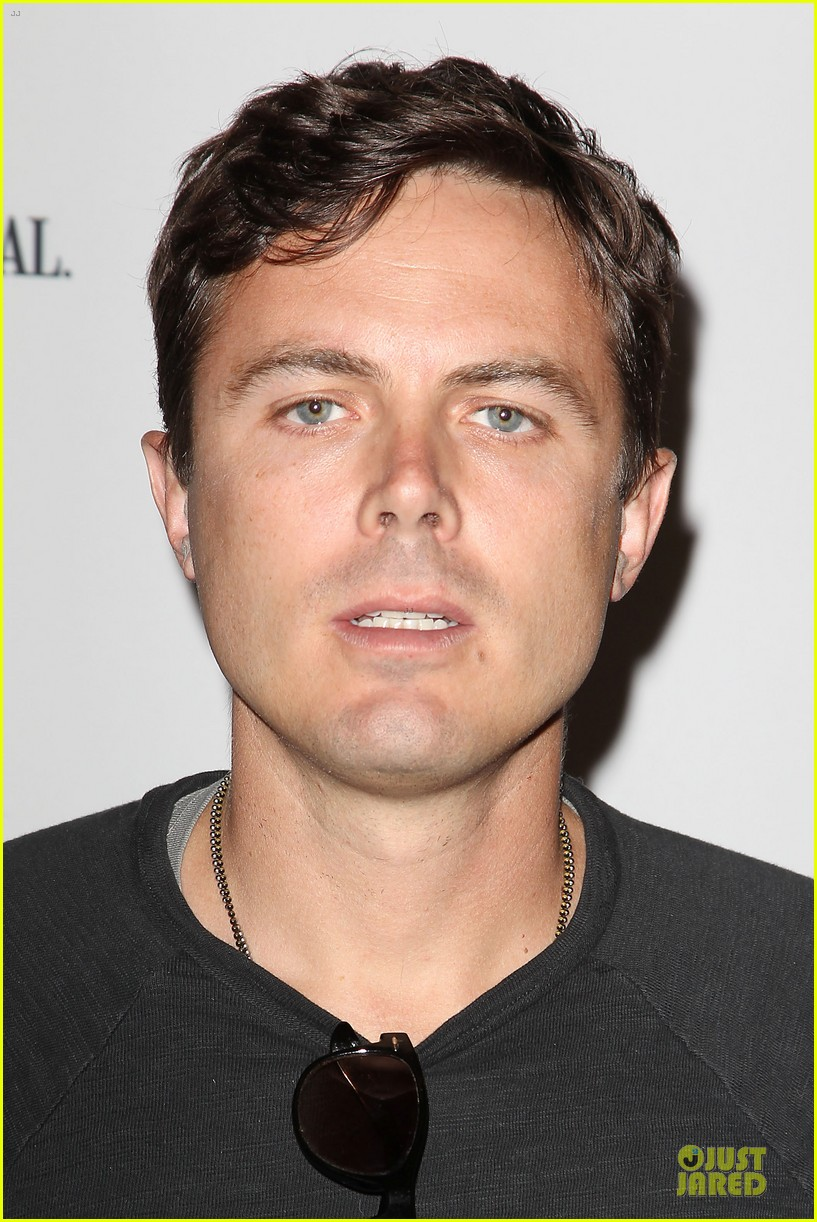 casey affleck ben foster aint them bodies saints premiere 072894848
