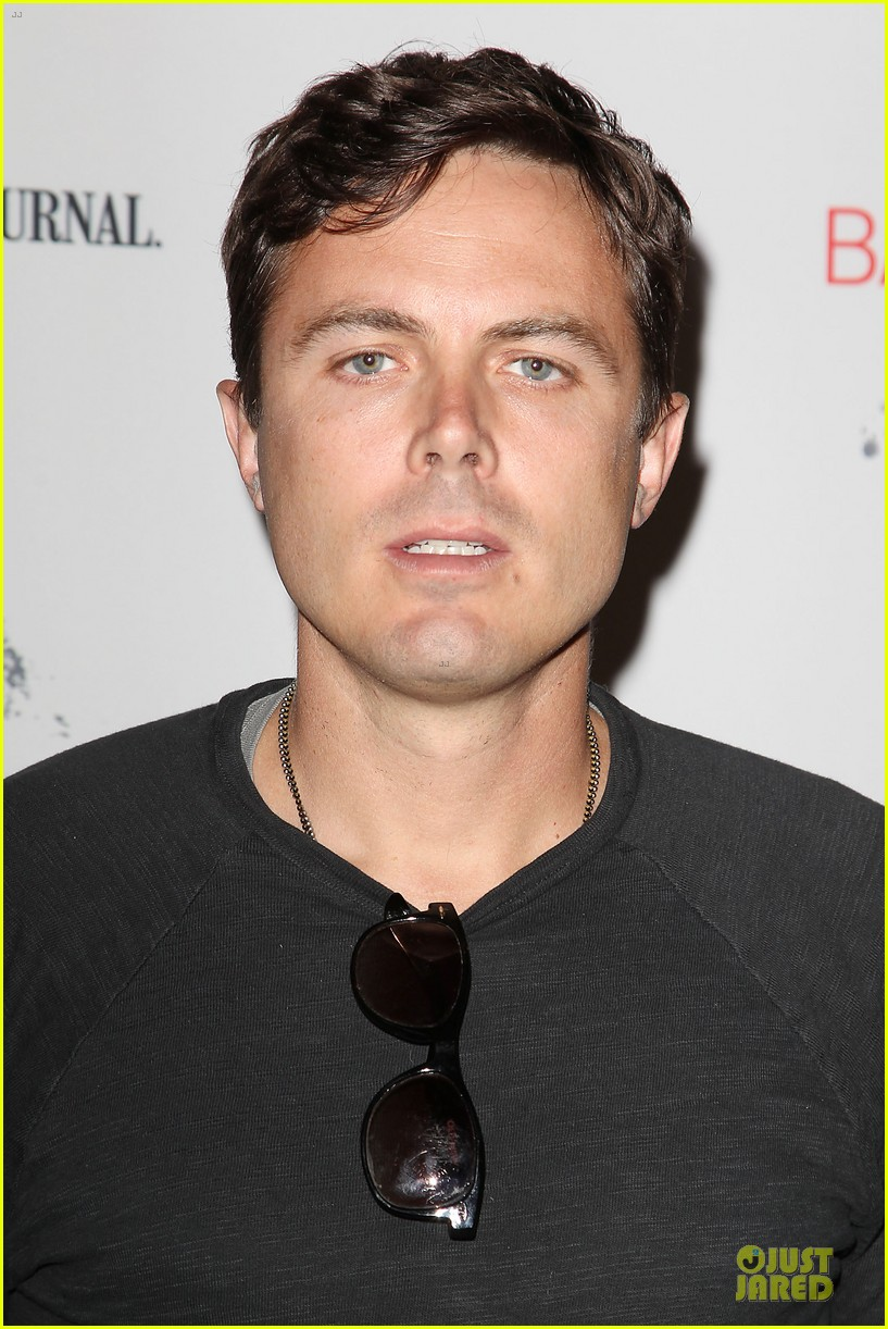 casey affleck ben foster aint them bodies saints premiere 082894849