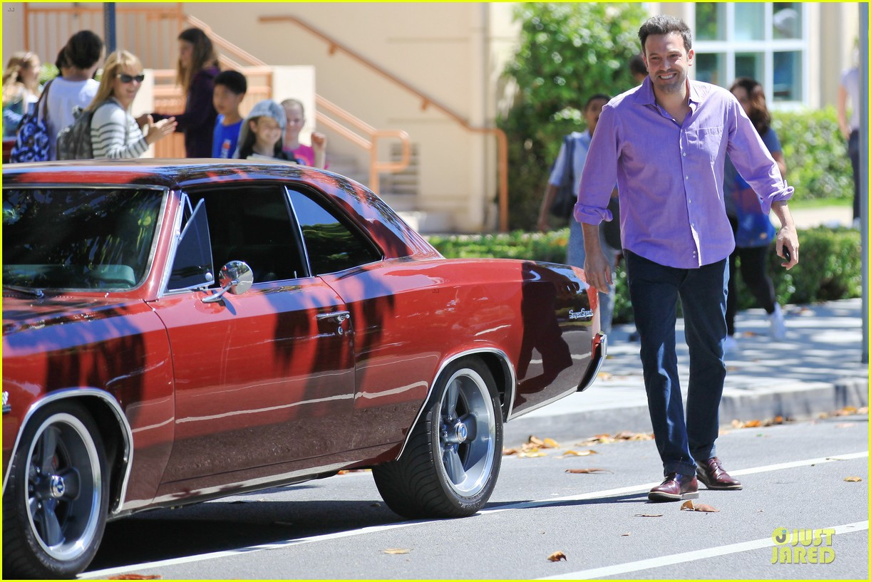 ben affleck loving dad while jennifer garner is away 032889534