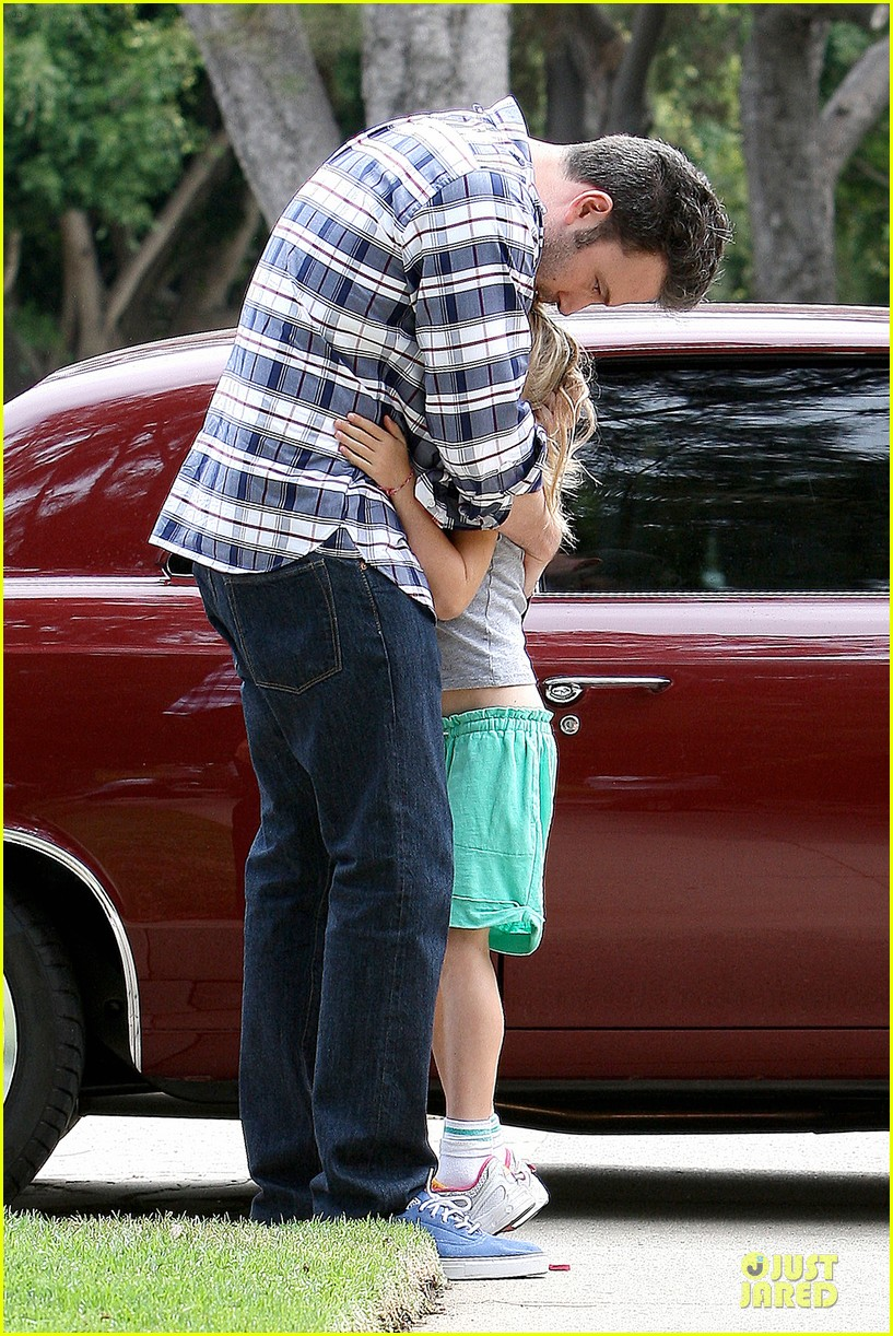 ben affleck loving dad while jennifer garner is away 212889552
