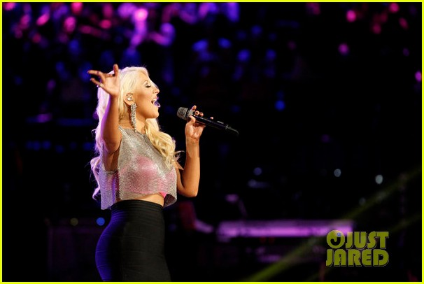 christina aguilera pitbull the voice finale performance video 022893976