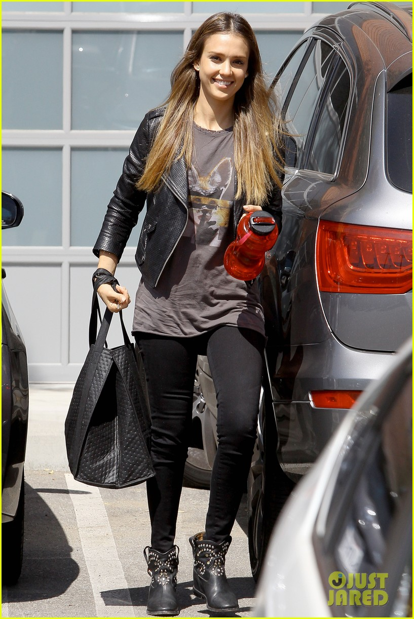 jessica alba biker chic before girls night out 082899932