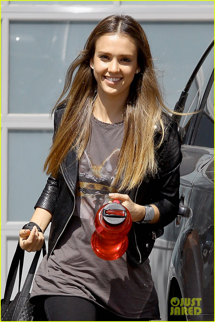 jessica alba biker chic before girls night out 092899933