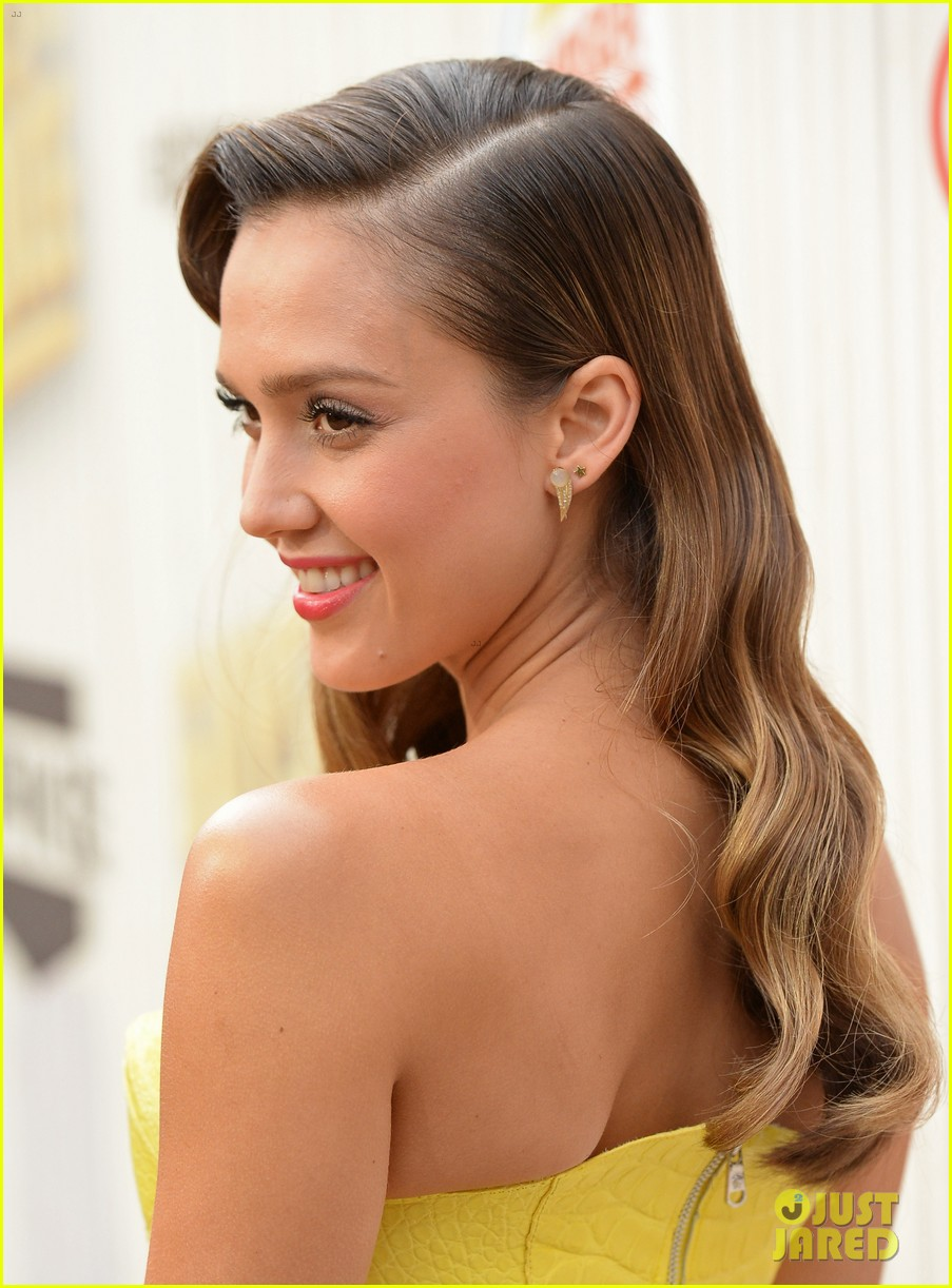 Sized Jessica Alba Guys Choice Awards