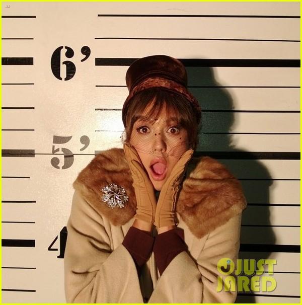 jessica alba tweets fake mugshot on honors fifth birthday 022886678