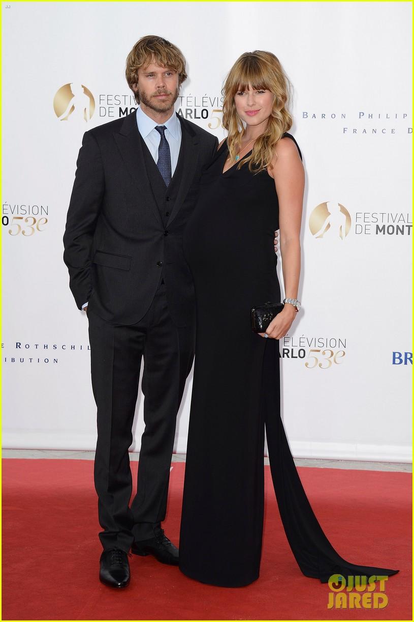 stephen amell pregnant cassandra jean monte carlo tv festival 032888259