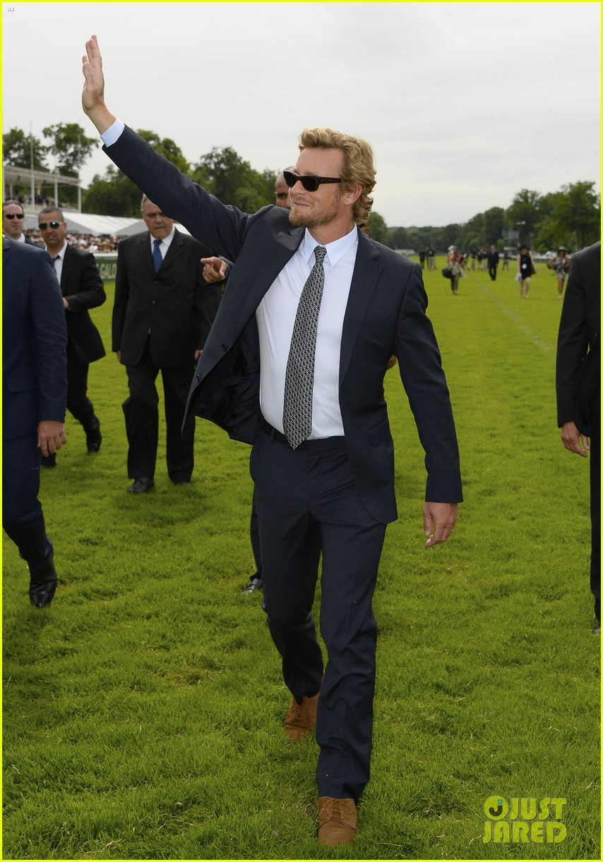 simon baker prix de diane longines in paris 17