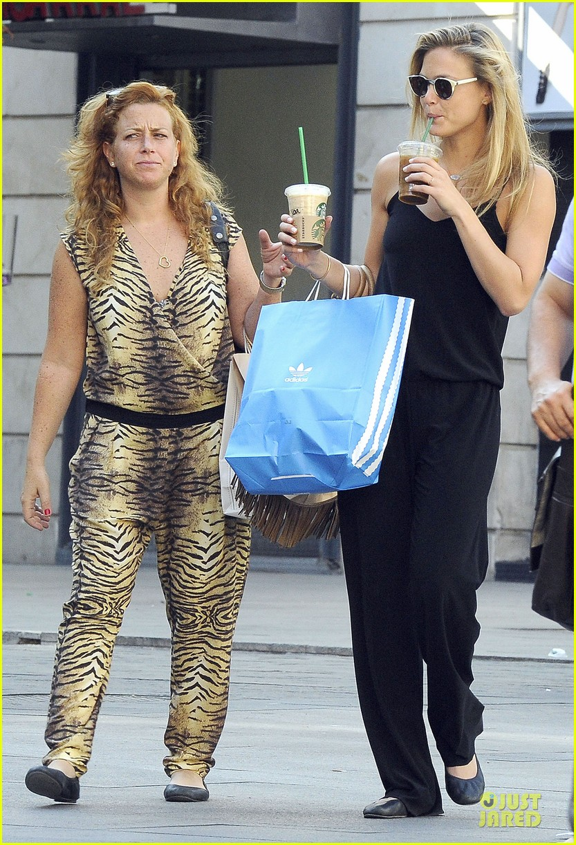 bar refaeli toned arms for madrid shopping trip 202898605