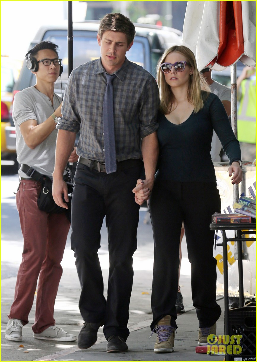 kristen bell propses to dax sherpard after doma ruling 052899364