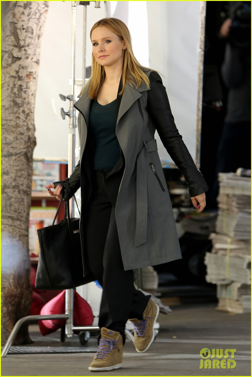 kristen bell propses to dax sherpard after doma ruling 062899365