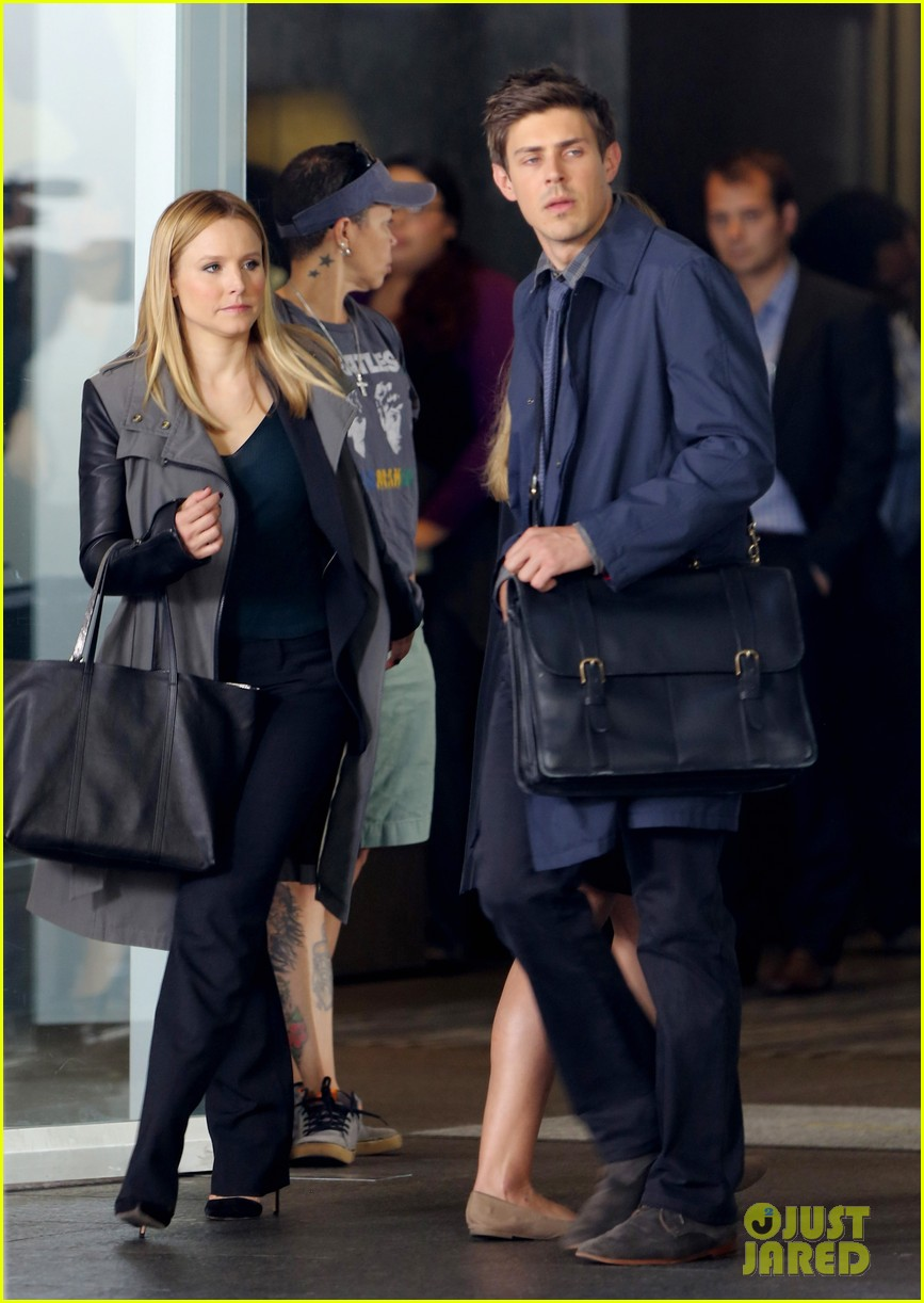 kristen bell propses to dax sherpard after doma ruling 172899376