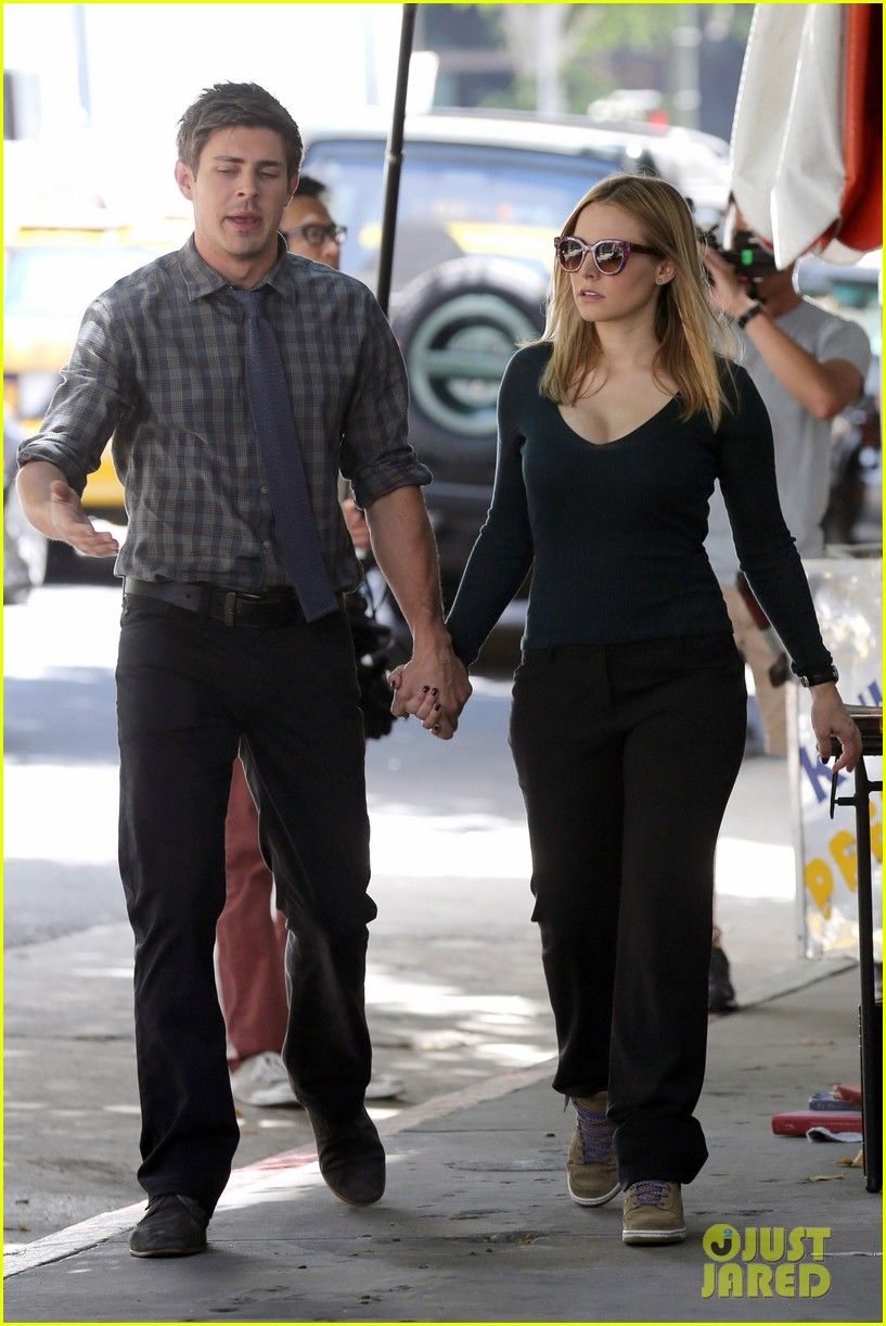 kristen bell propses to dax sherpard after doma ruling 252899384