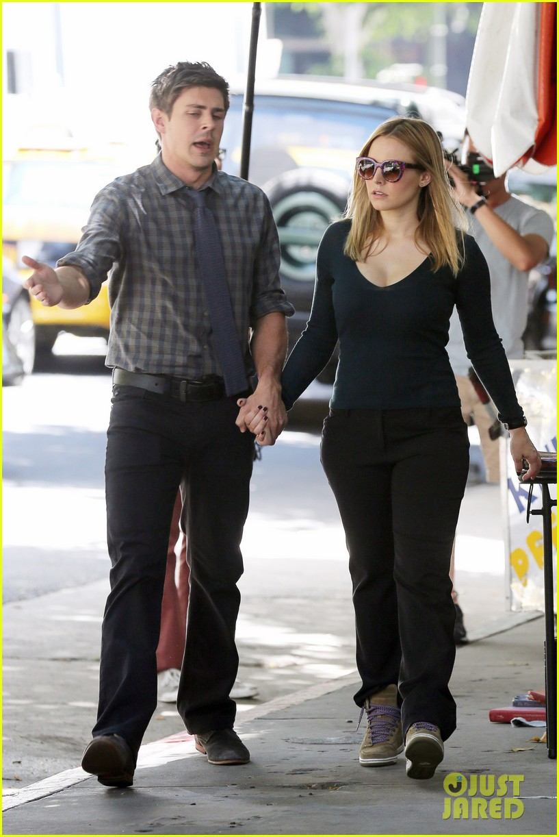 kristen bell propses to dax sherpard after doma ruling 272899386