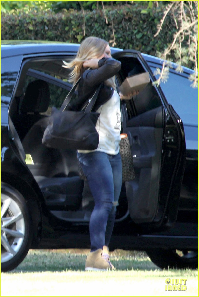 kristen bell dax shepard first fathers day sushi outing 022893023