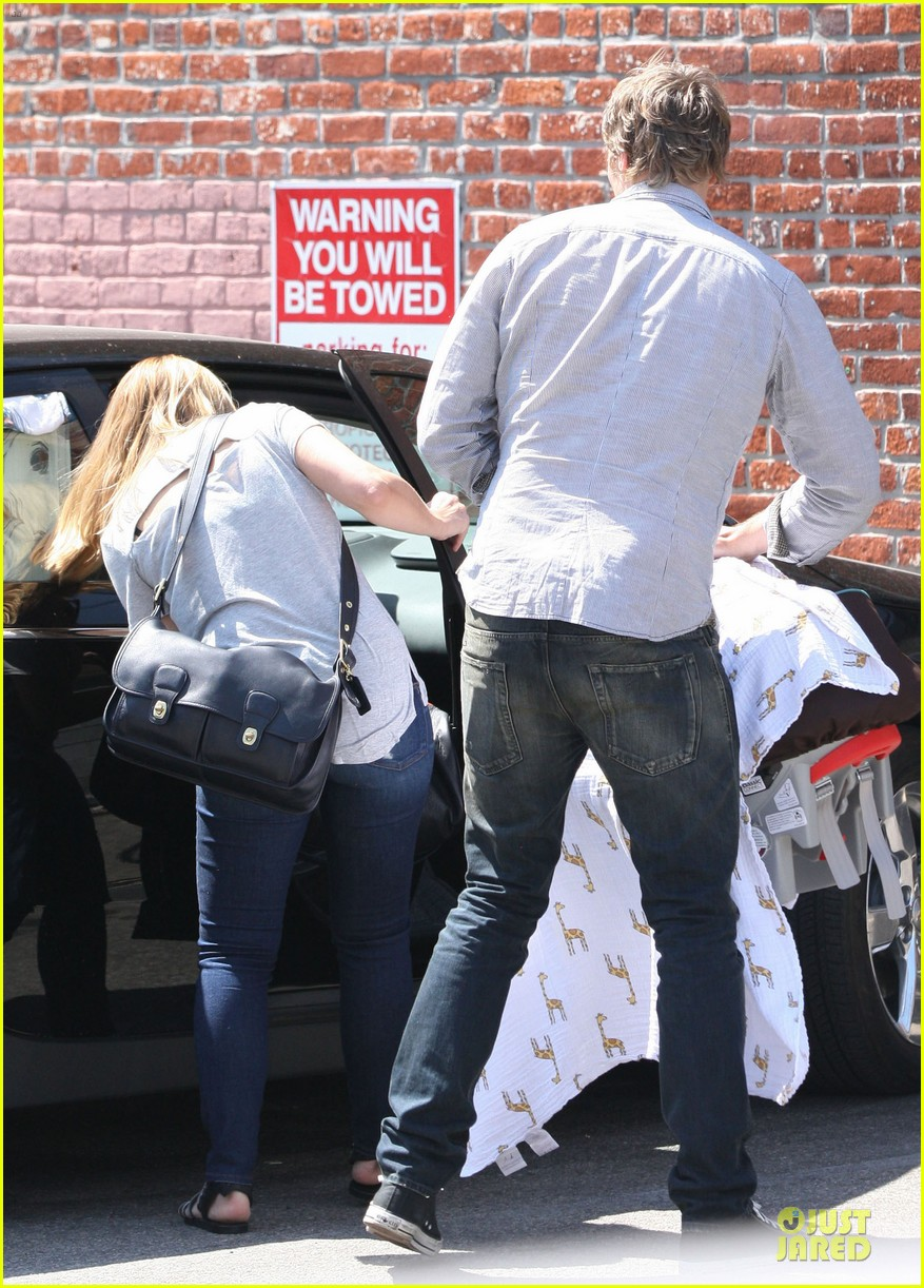 kristen bell dax shepard first fathers day sushi outing 102893031