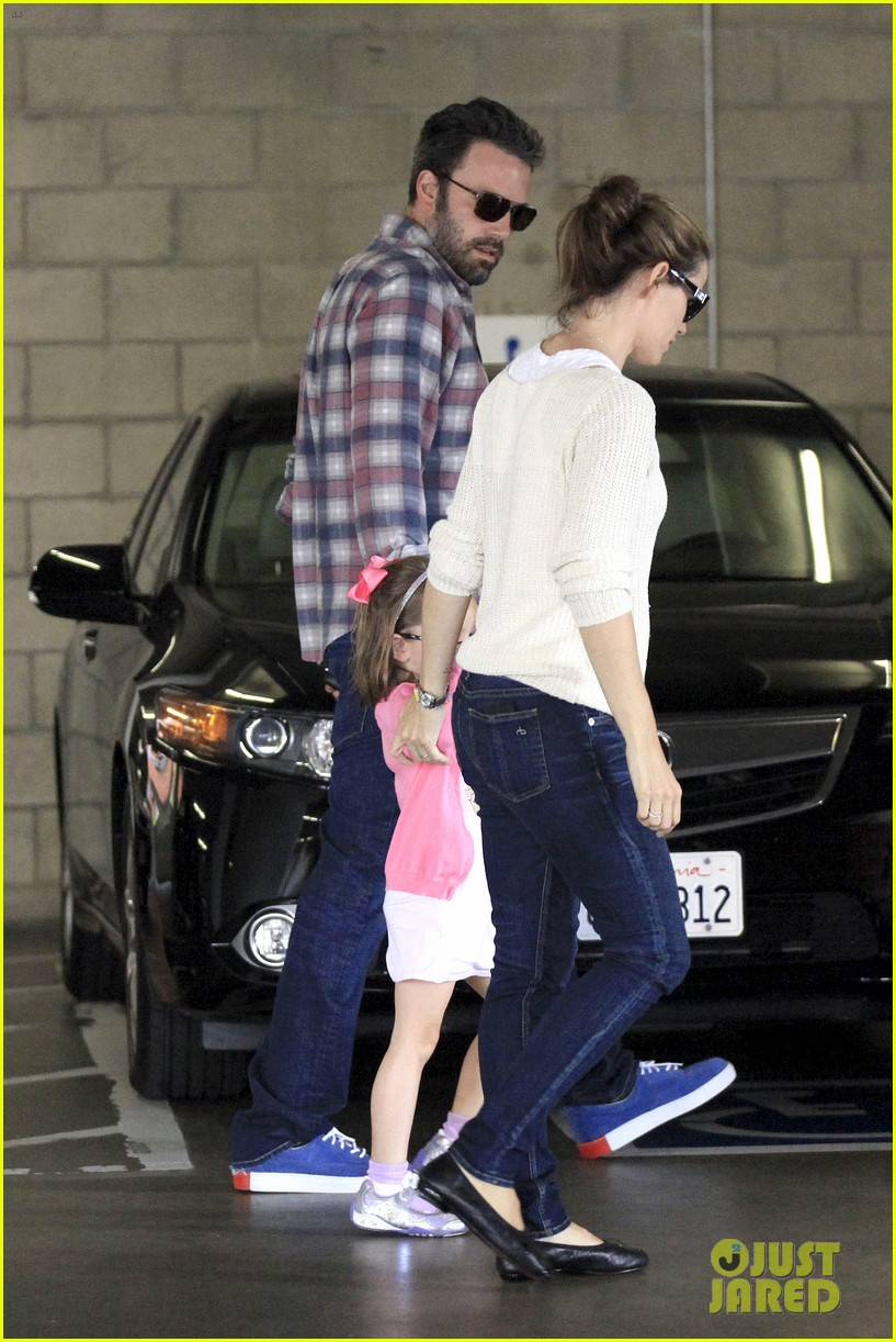 ben affleck jennifer garner sunday dinner with bens mom 182883090