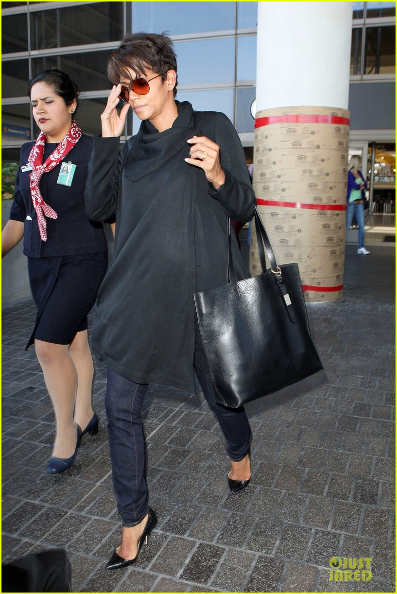 halle berry lax arrival after champs elysees film festival 072893412